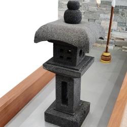 Lanterne japonaise en pierre de lave noir H80 cm (LJ-N15)